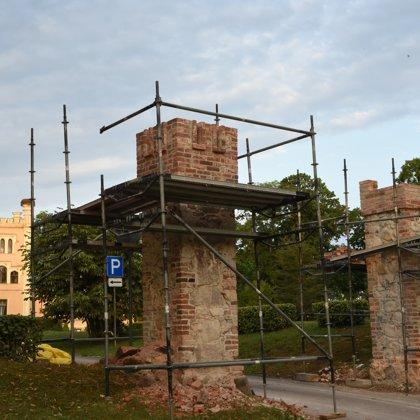 Vārtu stabu rekonstrukcija 2018.gada vasara